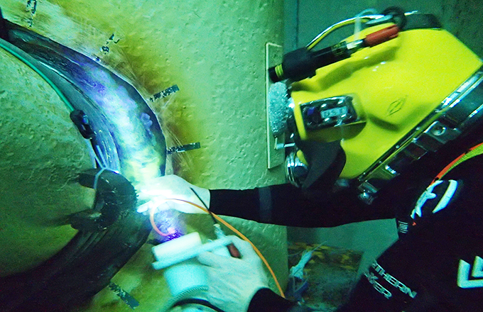Subsea weld inspection using magnetising technique